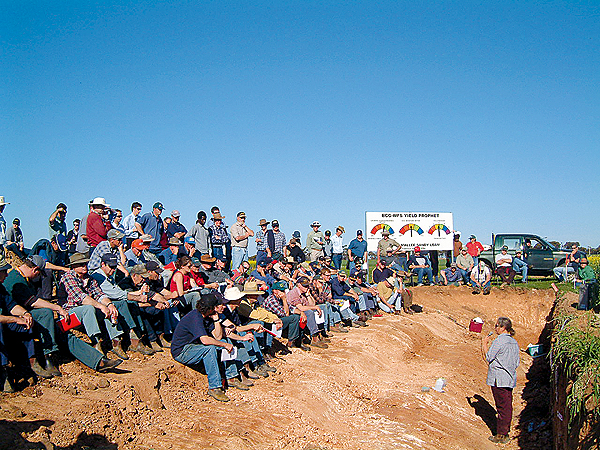 Photo of a crowd listening to a presentation