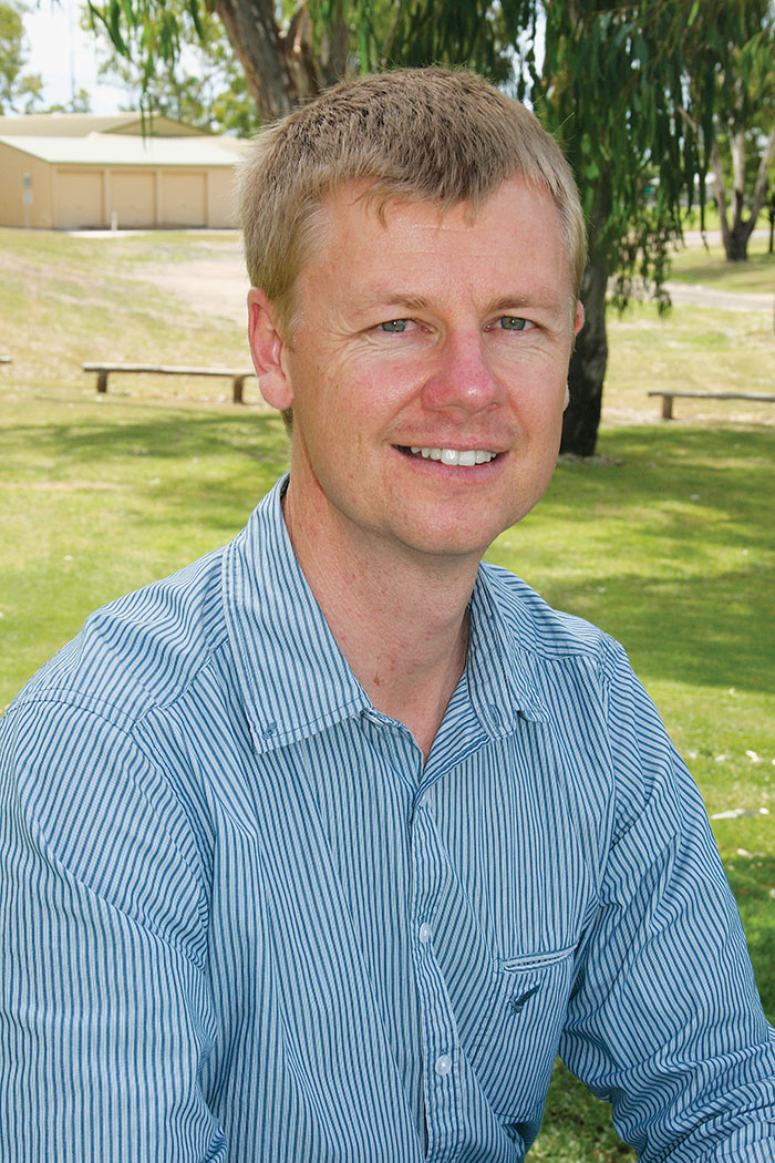 Photo of Dr Michael Widderick