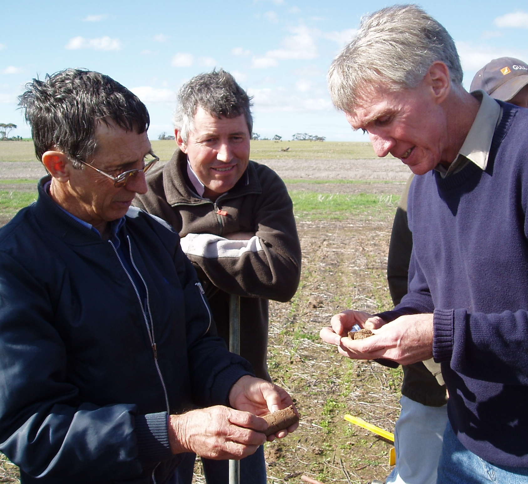 Image of Neal Dalgliesh, Research Consultant CSIRO Toowoomba (on right).