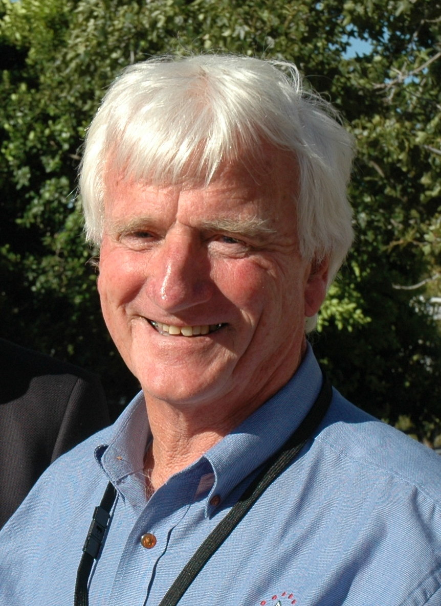 Pulse Australia's Wayne Hawthorne, pictured at a recent GRDC grains research Update at Kadina in SA, says research by the SA Research and Development Institute has shown that crop-topping too early can affect pulse grain quality.